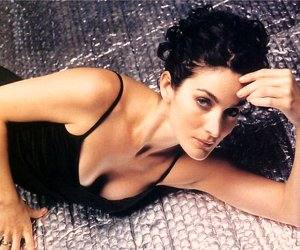 Carrie-Anne Moss 6